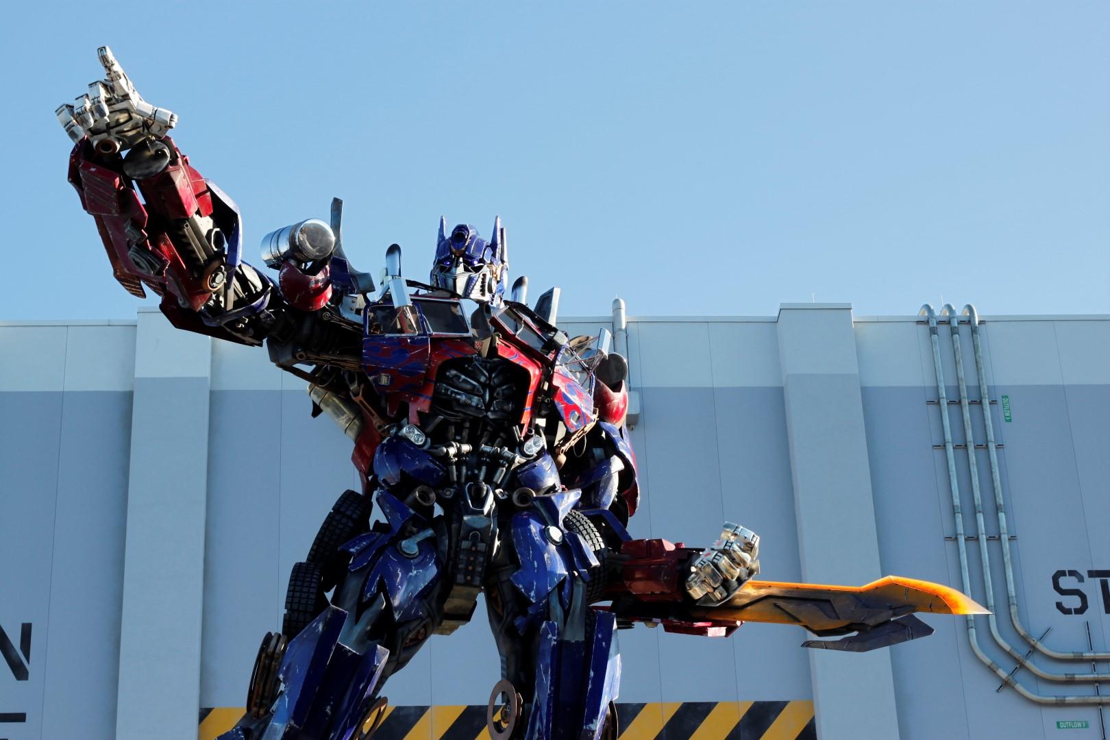 Optimus_Prime_in_Universal_Studios_Florida (Large)