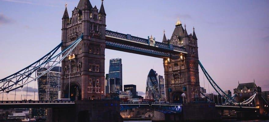 London-880x400