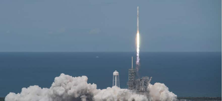 SpaceX-Rocket-Launch (1)
